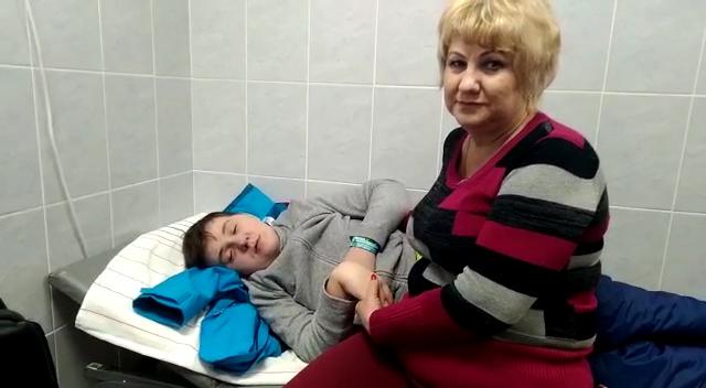 Авиакомпания «Азимут» отказала ребенку-инвалиду, летящему на лечение в Москву