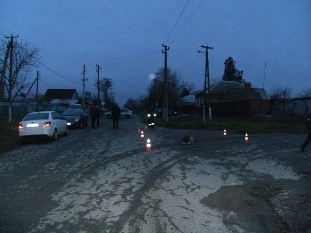 В Краснодарском крае «КамаАЗ» сбил пенсионерку и уехал с места происшествия