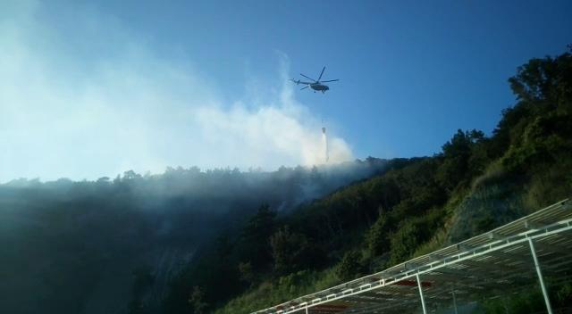 Лесной пожар на Кубани потушили с вертолета