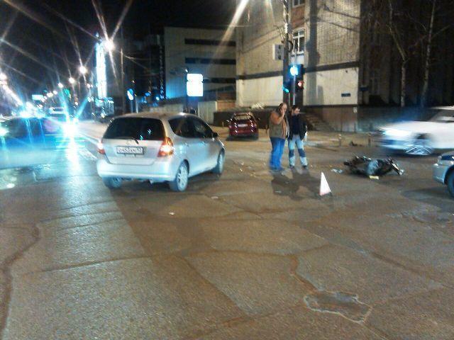 В Краснодаре иномарка сбила 19-летнего мопедиста