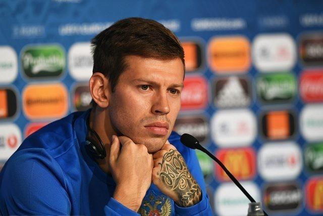 СМИ выяснили, сколько миллионов может зарабатывать капитан «Краснодара» Смолов в Москве