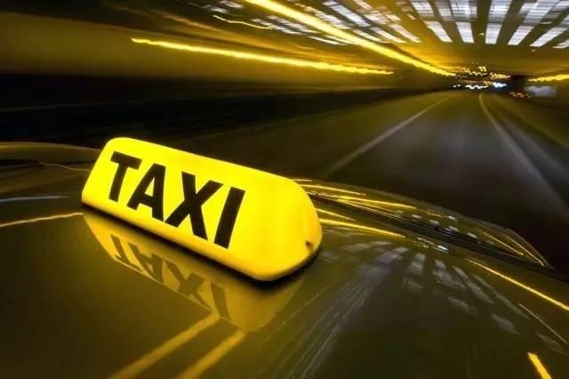 Армавирские полицейские продолжают гонку за нелегальными такси