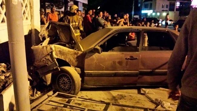 В Новороссийске пьяный подросток на чужой «Ауди» влетел в бетонное ограждение
