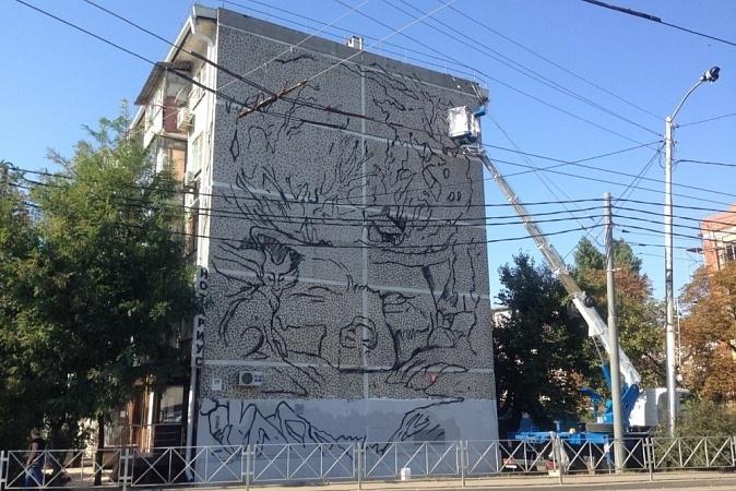 «Весенние» звери украсят фасад здания в Краснодаре