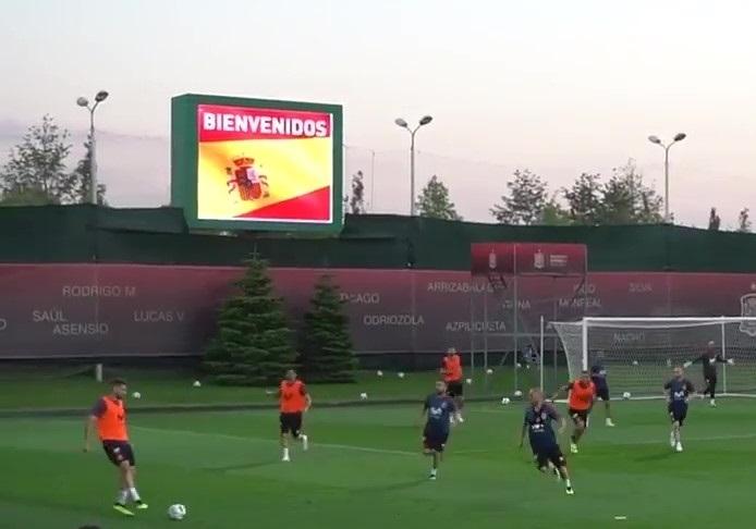 Аншлаг собрала первая тренировка испанцев в Краснодаре