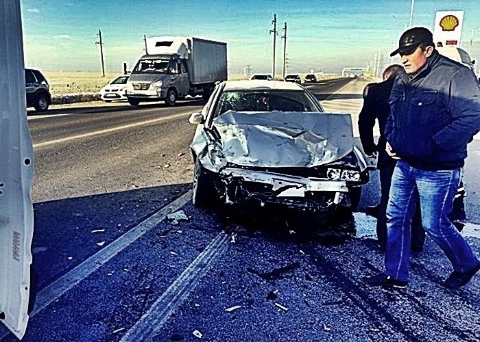 Лихач снес иномарку с женщиной за рулем на Кубани