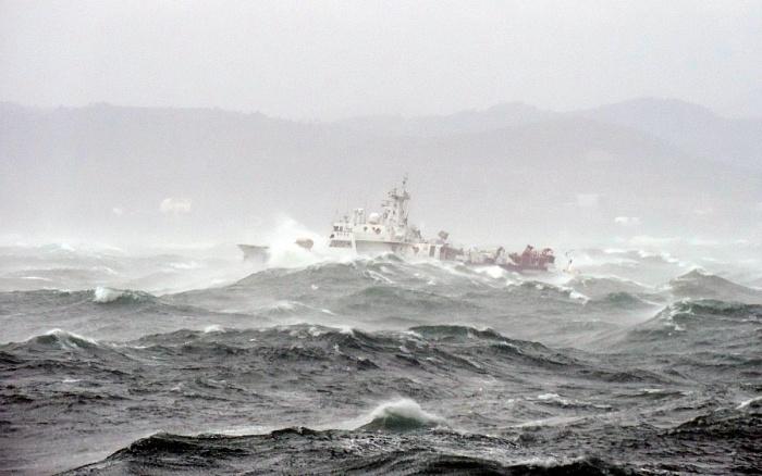 МЧС Кубани предупредило о смерчах и опасности затопления судов в море