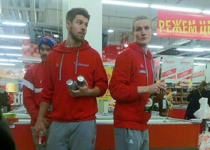 Баскетболисты «Байзонс» с пивом готовятся к матчу против «Локомотива-Кубань»