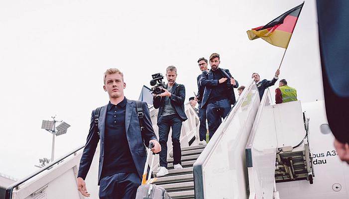 Сборная Германии прилетела в Сочи сыграть со шведами