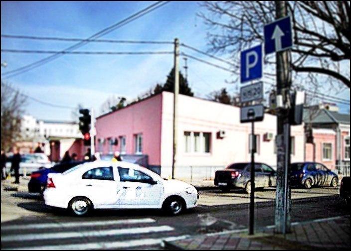Водитель иномарки сбил пешехода «на пороге» травмпункта в Краснодаре
