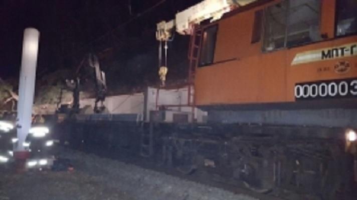 Движение поездов в Сочи восстановлено после падения деревьев