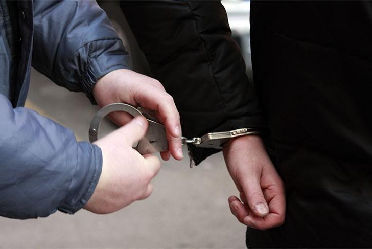 За убийство любовника матери житель Крымского района предстанет перед судом