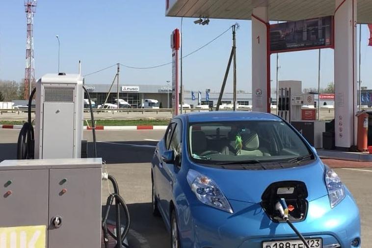 Дорогу экотранспорту: на Кубани установили зарядные станции для электрокаров