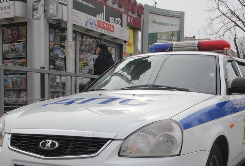 Нарочно наехал на инспектора ДПС водитель «Нивы» в Краснодарском крае