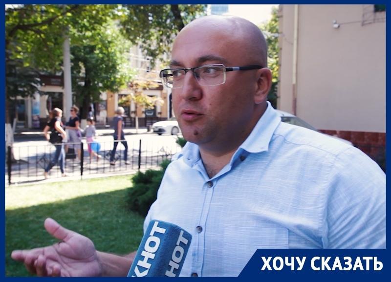 «Не выпускать авто со штрафстоянки без оплаты - законодательно неверно», - юрист из Краснодара об эвакуации машин