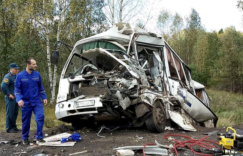 Виновником аварии с автобусом в Ярославле, где погибли 7 человек, назвали водителя фуры с Кубани