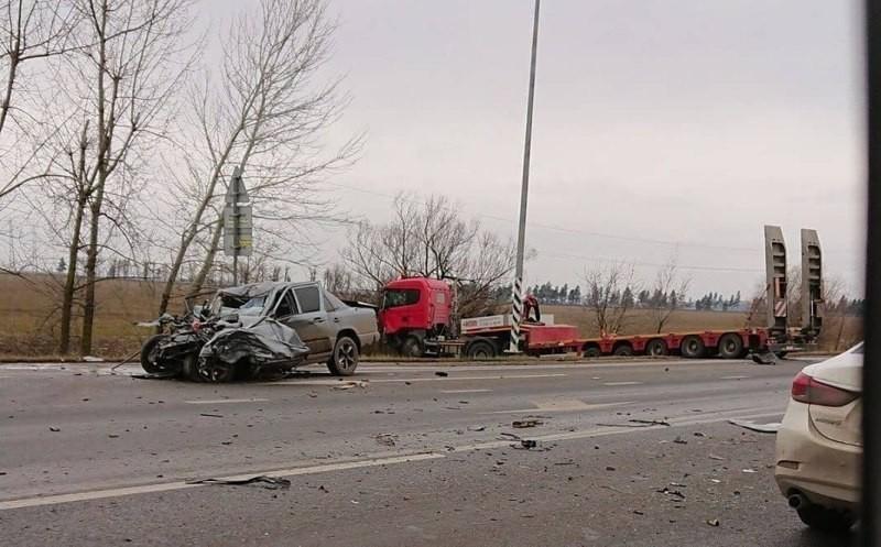 Момент ДТП в Краснодаре, в котором погиб молодой человек, попал на камеру видеорегистратора