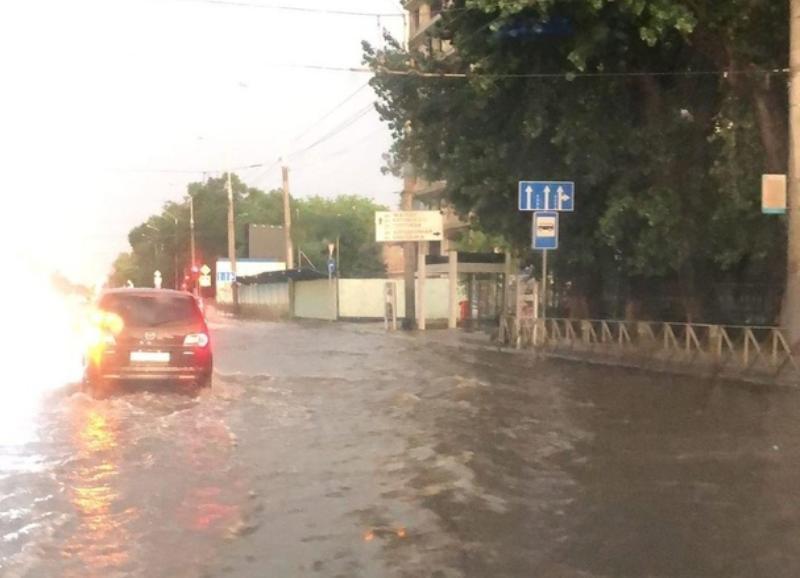 Краснодар «поплыл» после ночных дождей