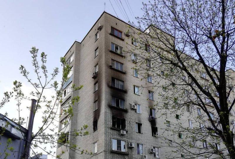 В краснодарской многоэтажке выгорела квартира, эвакуировали 20 жильцов
