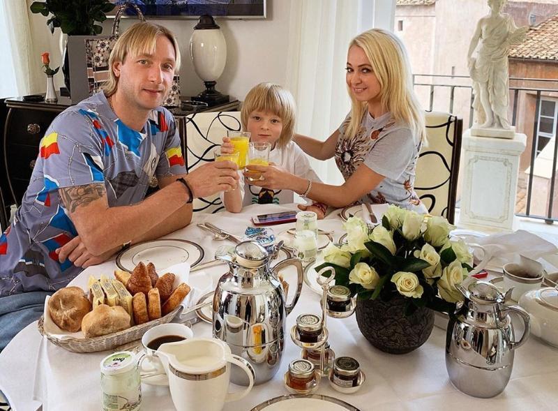 «У меня муж мент»: жительница Сочи угрожает расправой 6-летнему сыну Рудковской и Плющенко