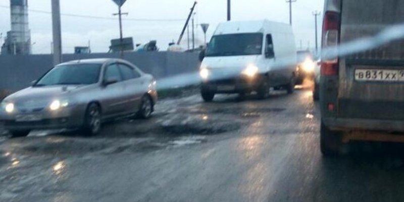 Дороги нет, километровые пробки: краснодарцы про трассу возле Индустриального