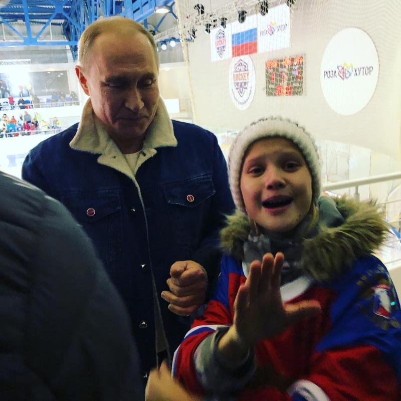 Путин пообещал 10-летней сочинке прокатить ее на своей яхте