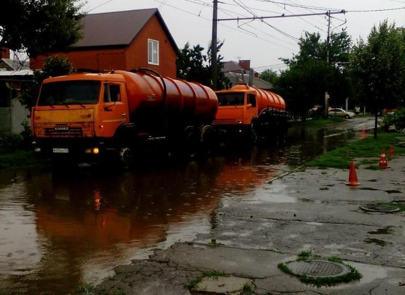 В Краснодаре расширят службу по содержанию ливневки