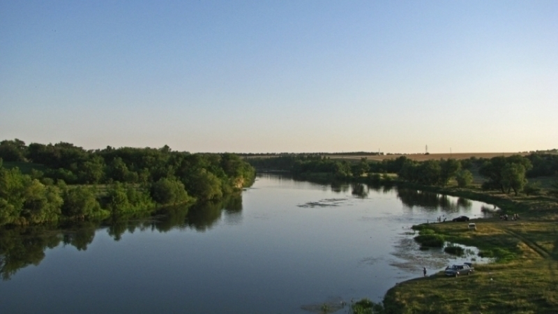 ВОтрадненском районе подмыло берег реки