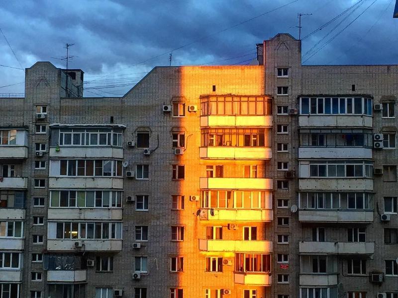 Беременная девушка разбилась, выпав из окна многоэтажки в Краснодаре