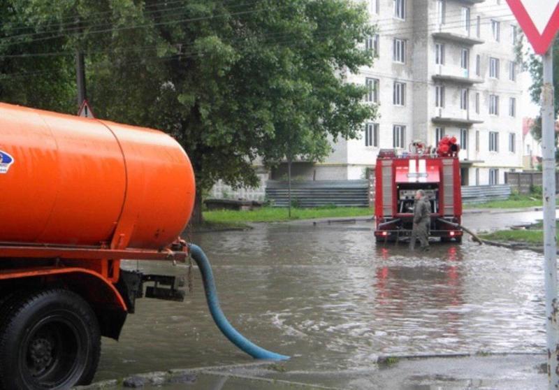 Пятичасовой дождь заставил поработать чиновников Краснодара и спецслужбы
