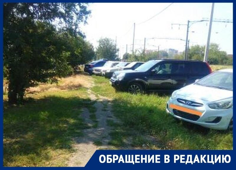 «Дети ходят в школу по проезжей части», - жительница пригорода Краснодара