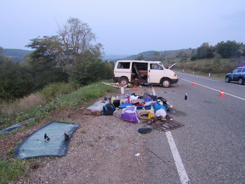На Кубани в ДТП с микроавтобусом погиб 10-летний мальчик