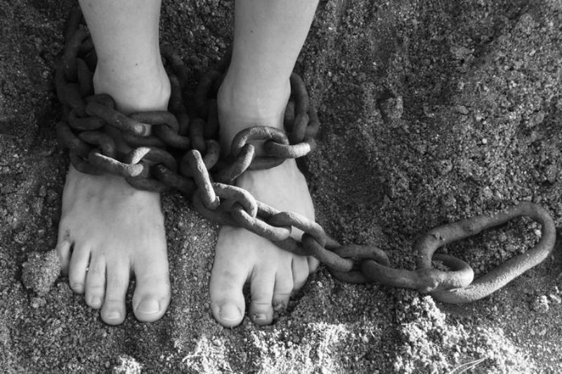 НаКубани завели дело против посадившего 10-летнего сына нацепь мужчину