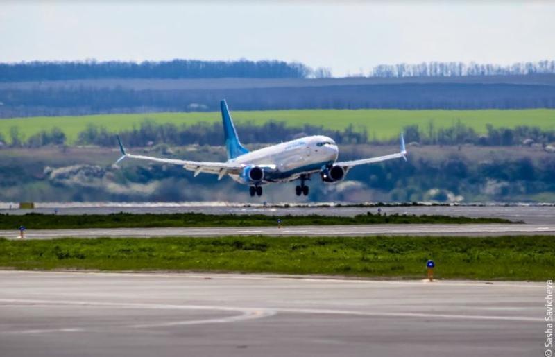 Стали известны причины жесткой посадки самолета в аэропорту Краснодара