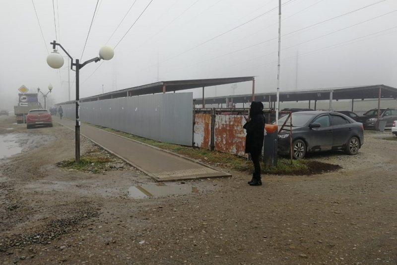 Две незаконные платные парковки уберут в Краснодаре