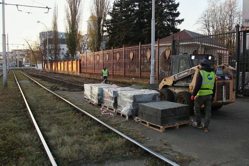 Тротуар и площадь отремонтируют на улице Гаврилова в Краснодаре