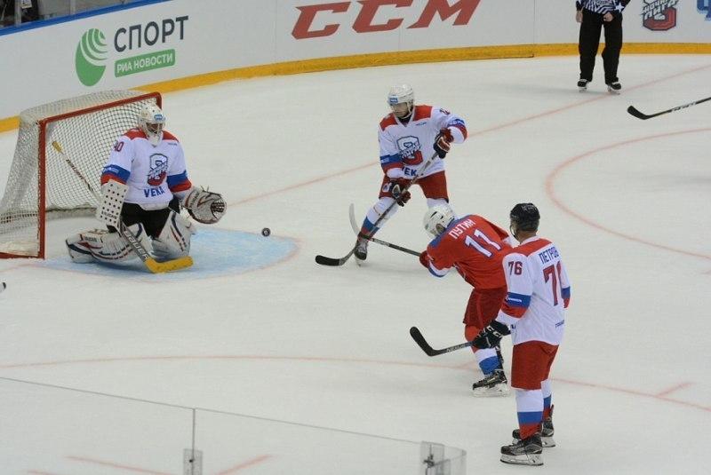 Команда Путина в Сочи обыграла «Звезд НХЛ»