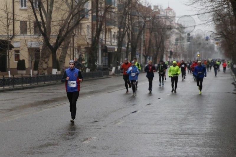 1 января по улицам Краснодара побегут 300 человек