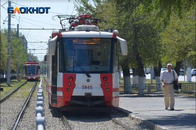 Пожилой кондуктор трамвая скончался на рабочем месте