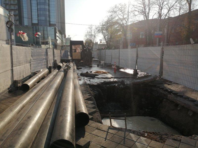 Во время ремонта на улице Красной в Краснодаре устроили потоп