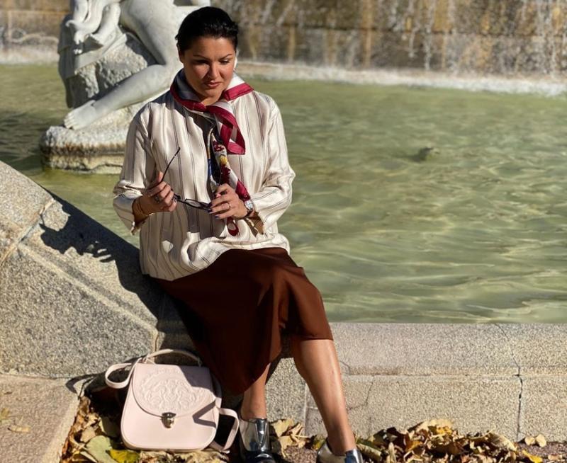 Анна Нетребко прервала свой тур по Европе