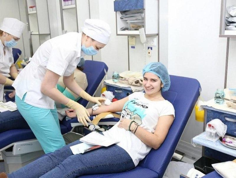 На Кубани ко Дню донора сдали 200 литров крови