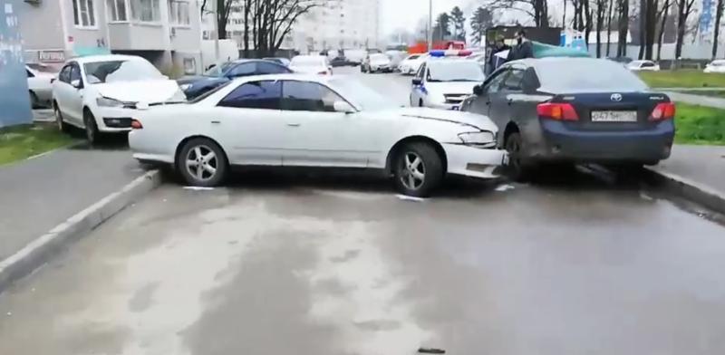 Пьяный парень без прав на папиной машине: подробности ДТП в Краснодаре