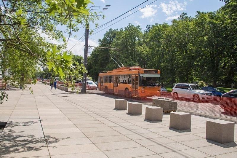 Демонтаж контактной сети троллейбусов начался на улице Красной в Краснодаре