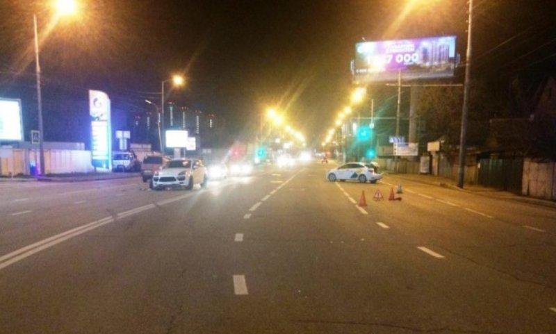 Три машины попали в ДТП в Краснодаре из-за пьяного водителя, среди них «Яндекс.Такси»