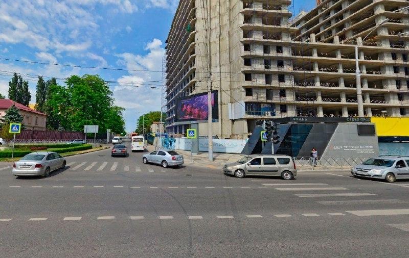 На перекрестке в центре Краснодара изменят схему дорожного движения