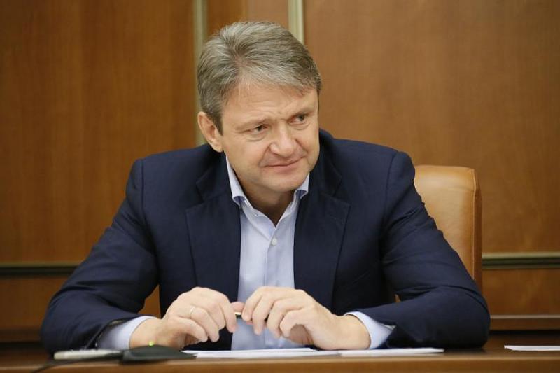 Экс-глава Кубани Александр Ткачев может потерять свое место в семейной компании