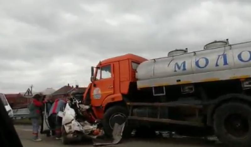 Два человека погибли в страшной аварии под Краснодаром