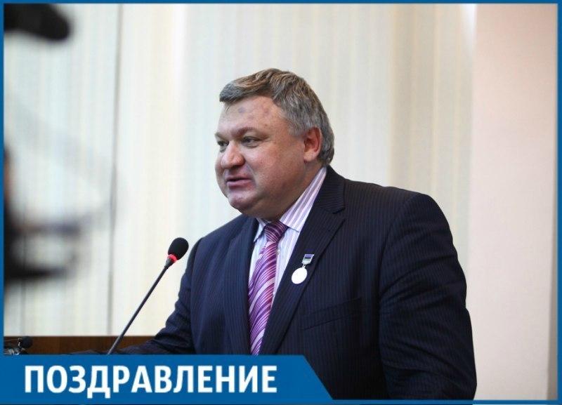 Депутат ЗСК Владимир Лыбанев отмечает свой день рождения