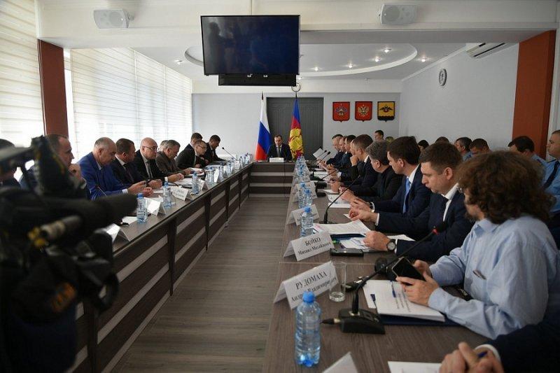 Губернатор Кубани поручил следить за строительством домов в лесах